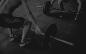 Man lifting - Fitness
